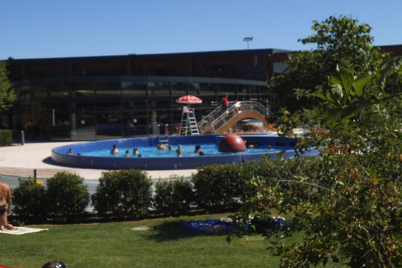 piscine obernai secteur d 39 obernai rosheim la piscine dans les temps piscine plein air h. Black Bedroom Furniture Sets. Home Design Ideas